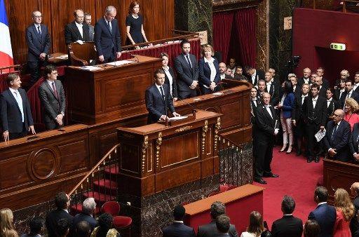 Emmanuel Macron à Versailles: un trop-plein de mots qui annihile le débat ?