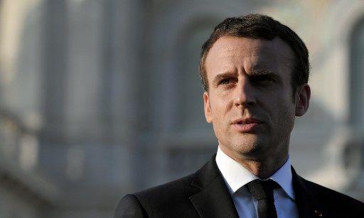 """Emmanuel Macron : """"Nous n'avons pas gagné la bataille contre le sida, il faut donc se protéger"""""""