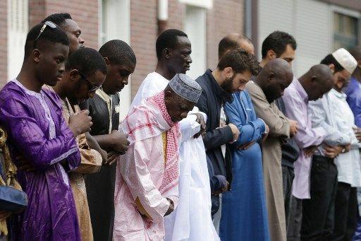 """31 imams signent une tribune et proposent leur """"expertise"""" pour lutter contre le terrorisme islamiste"""