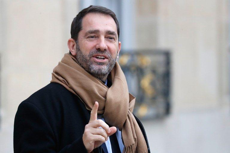 """""""Nos mamans portaient le voile catholique"""" : quand Christophe Castaner réécrit l'histoire"""
