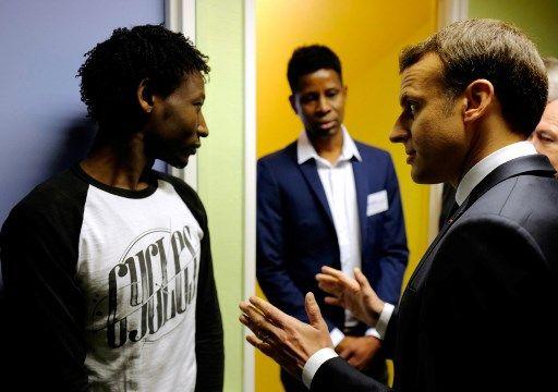 """Emmanuel Macron à Calais : """"En aucun cas, nous ne laisserons se reconstituer une 'jungle'"""""""