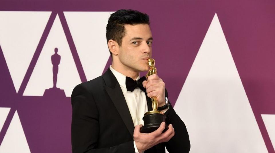 Oscars 2019 : Rami Malek tombe en quittant la scène