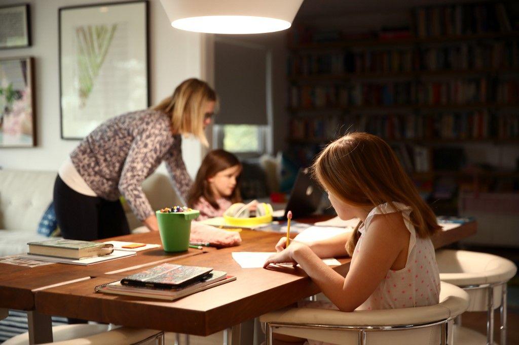 Covid- 19 : comment s'occuper de ses enfants si on est soi-même contaminé et malade