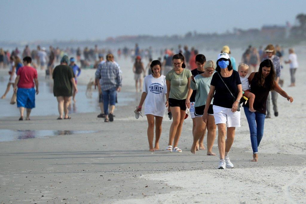 Les habitants et entrepreneurs de Floride à la plage, les nôtres enfermés