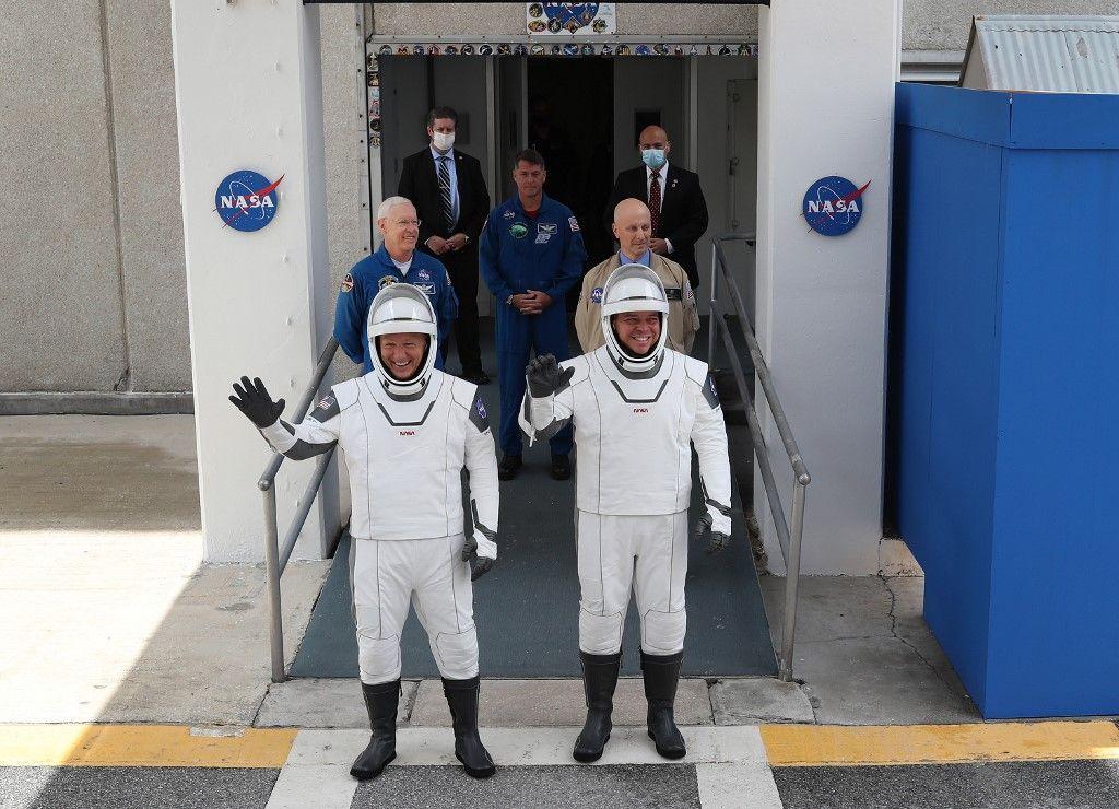 Le premier lancement habité de SpaceX a été reporté à samedi en raison du mauvais temps