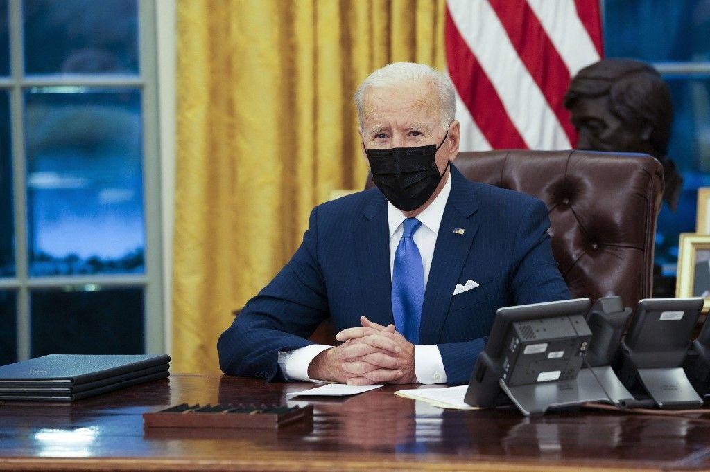 Le président américain Joe Biden dans le bureau ovale de la Maison Blanche le 02 février 2021 à Washington.
