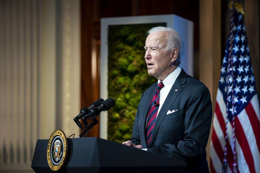 Le président américain, Joe Biden, prononce une allocution lors d'un sommet virtuel des dirigeants sur le climat à la Maison Blanche le 22 avril 2021 à Washington.