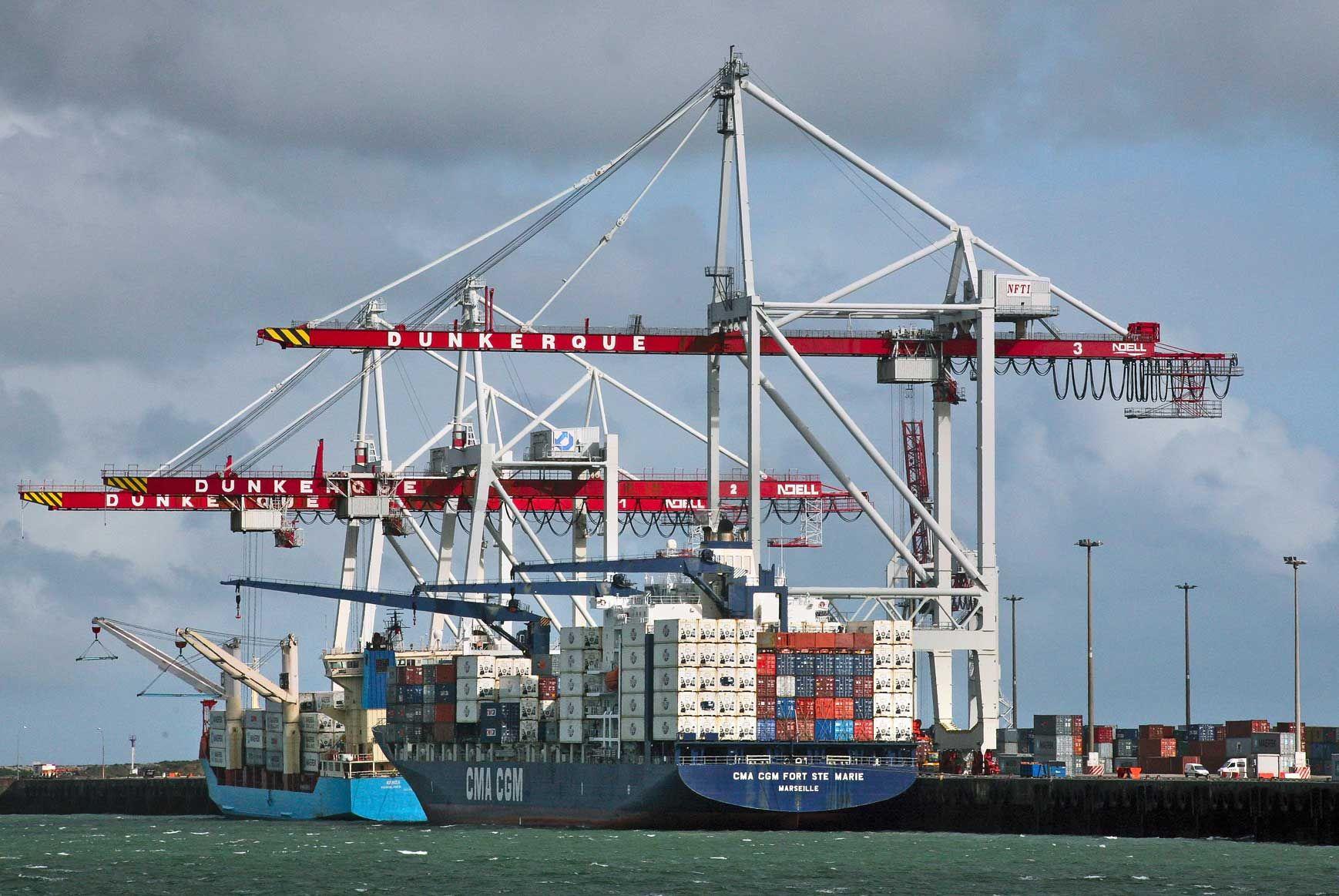 Parmi les dix plus importants ports mondiaux, exprimés en terme de conteneurs, huit sont chinois.