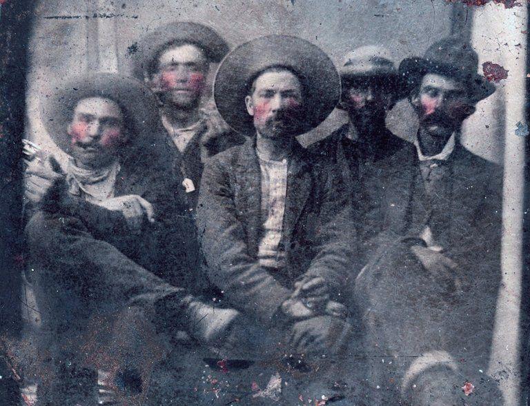 Une inestimable photo de Billy The Kid et de son tueur découverte dans un marché aux puces