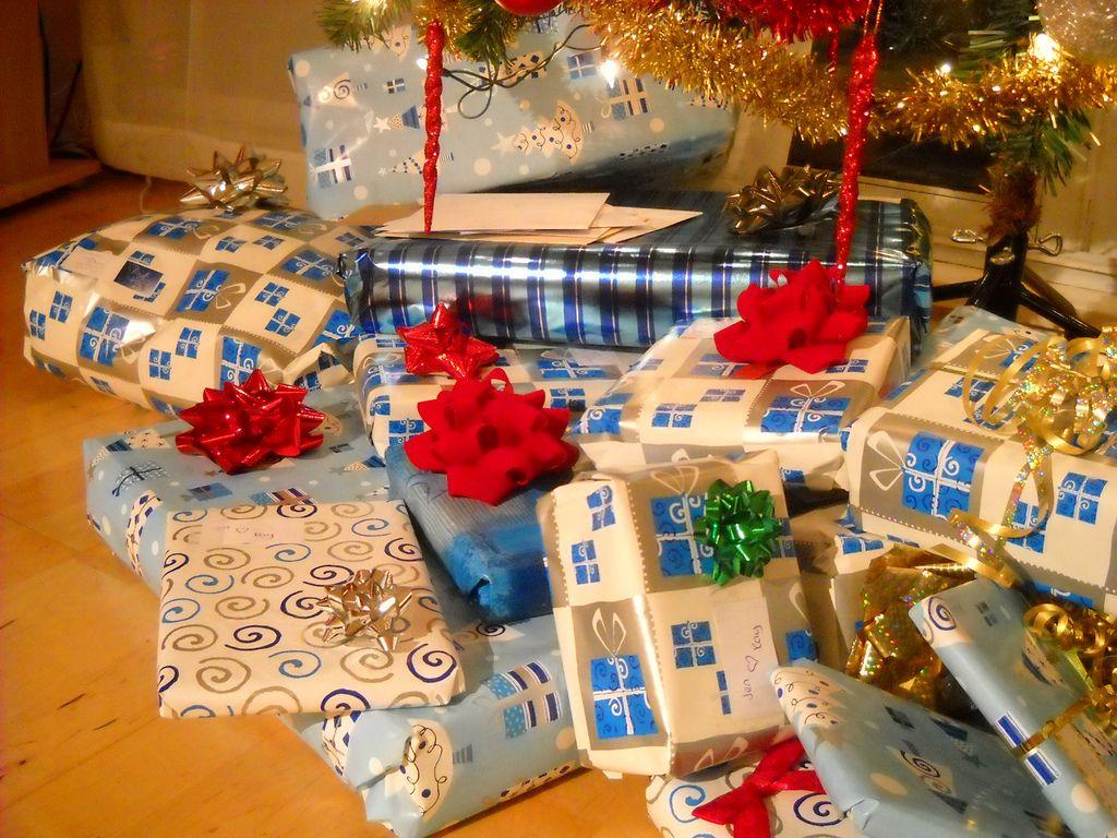 Cadeaux de Noël : le guide pour savoir combien dépenser pour qui sous le sapin