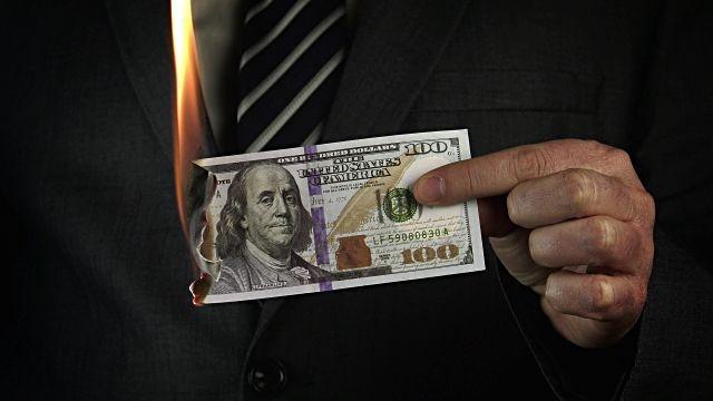 Le Dollar est-il en crise?