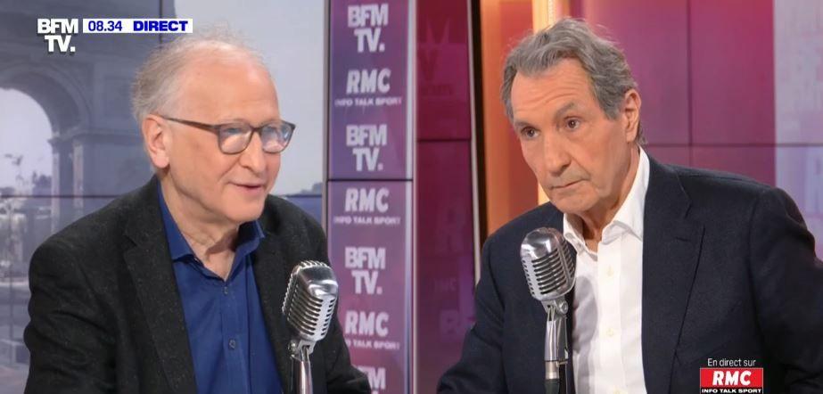 """Carnaval à Marseille : Alain Fischer dénonce """"une attitude totalement irresponsable"""" des participants. La plupart des personnes présentes ne portaient pas de masques contre la Covid-19."""