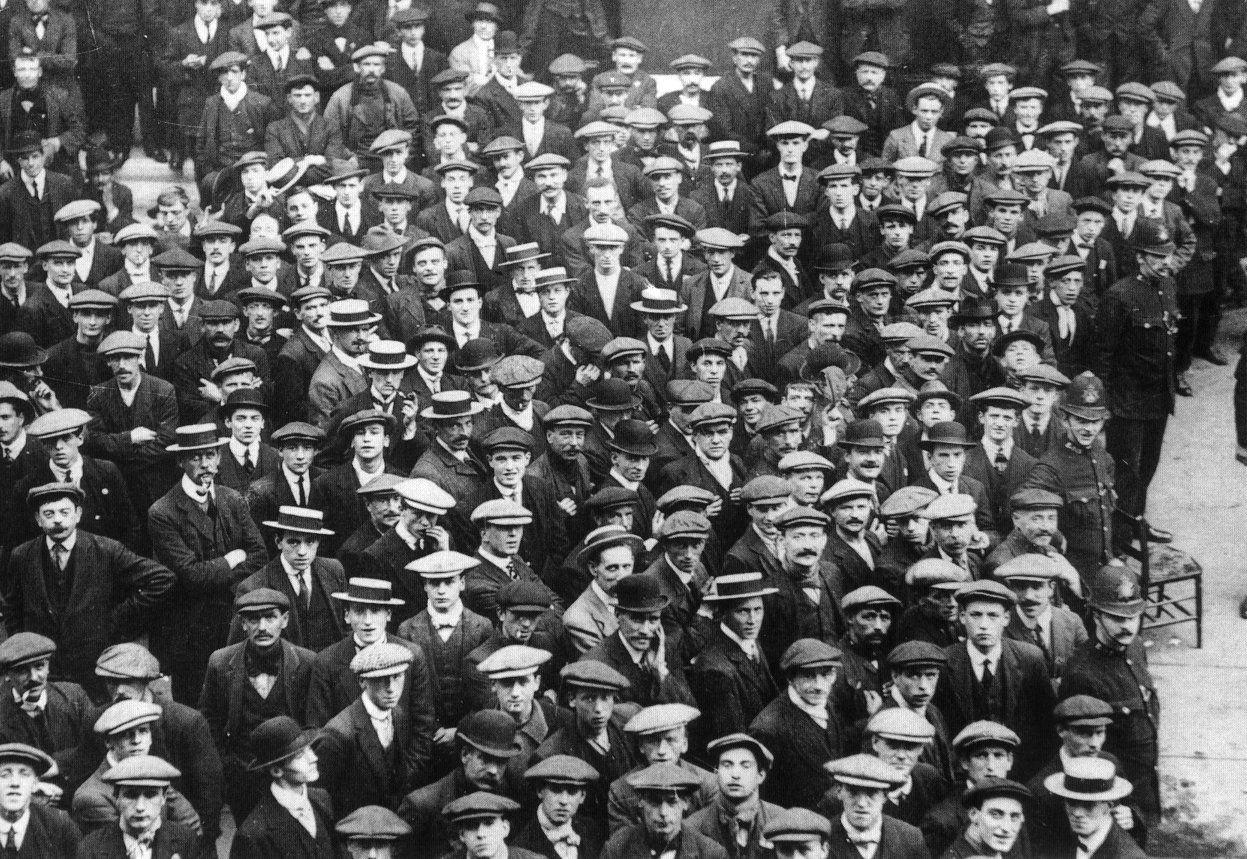 Volontaires de l'armée britannique en août 1914