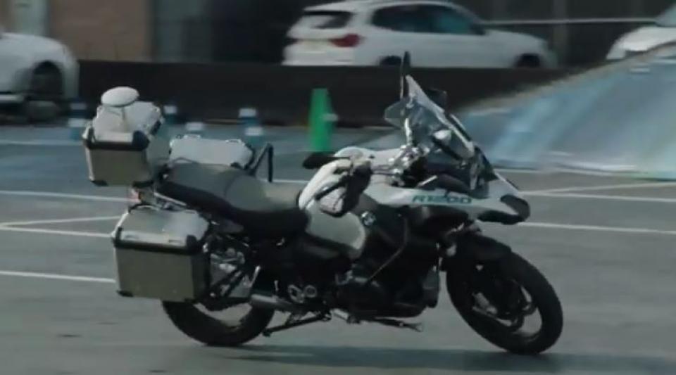 Une moto autonome de BMW au CES 2019 de Las Vegas