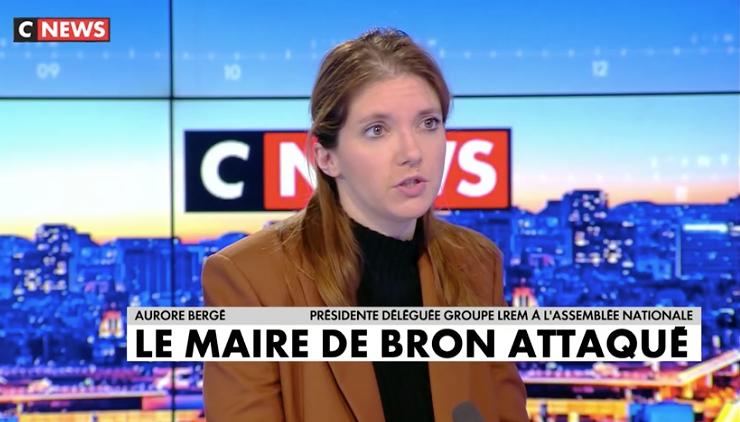 Aurore Bergé apporte son soutien et s'exprime sur le plateau de CNEWS suite à l'agression du maire de Bron, Jérémie Bréaud.