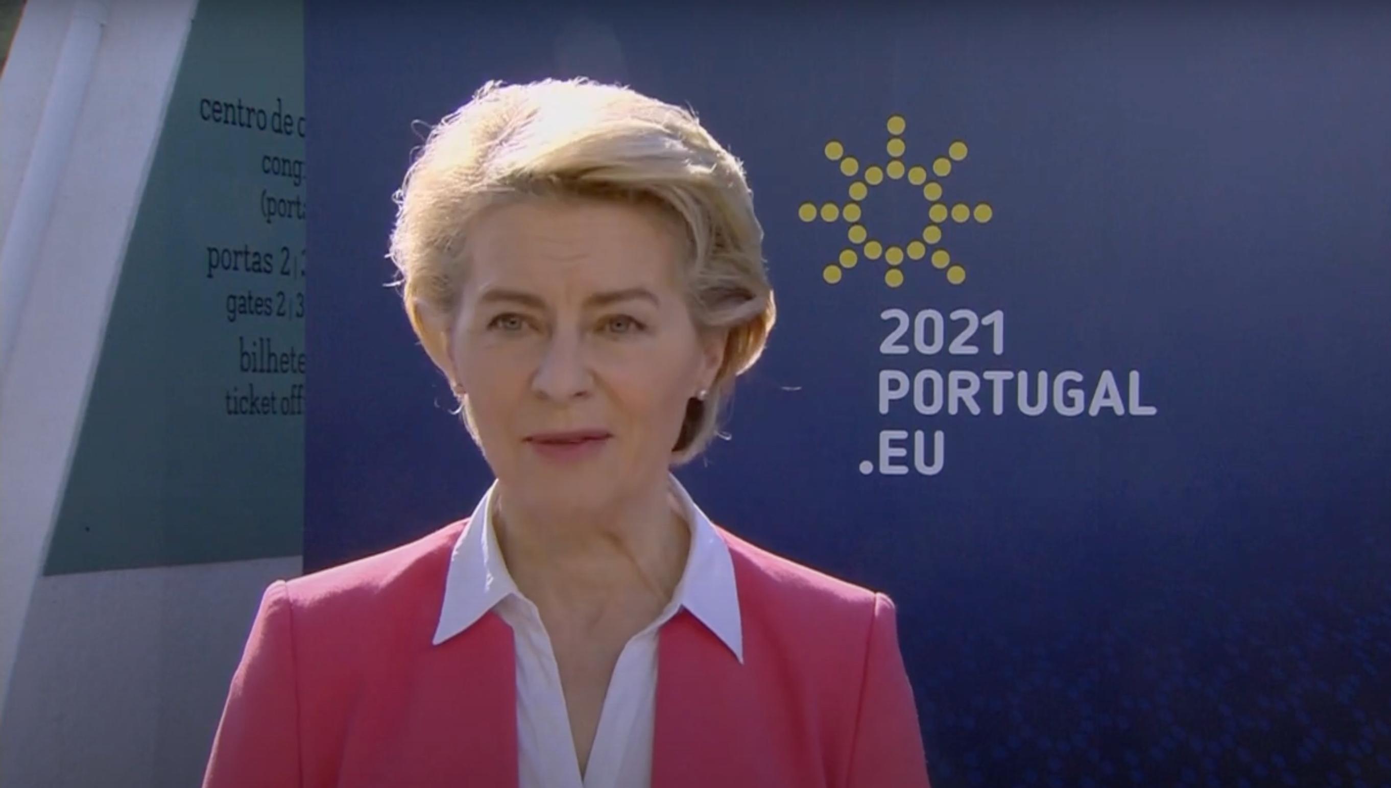 """L'Union-Européenne se dit """"prête à débattre"""" pour une levée des brevets des vaccins contre la Covid-19"""