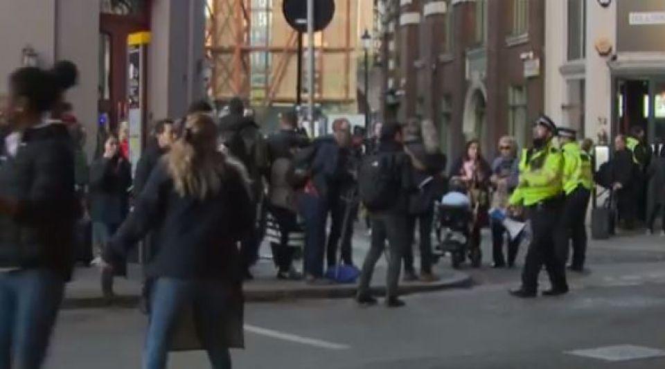 Attentat de Londres : les images de l'attaque sur le London Bridge