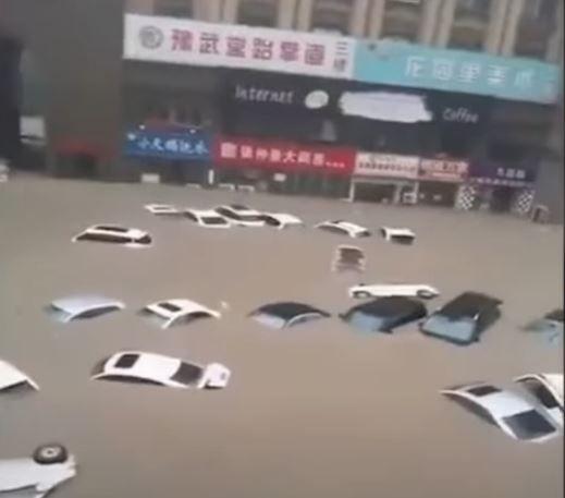 La ville de Zhengzhou a été touchée par des pluies diluviennes.