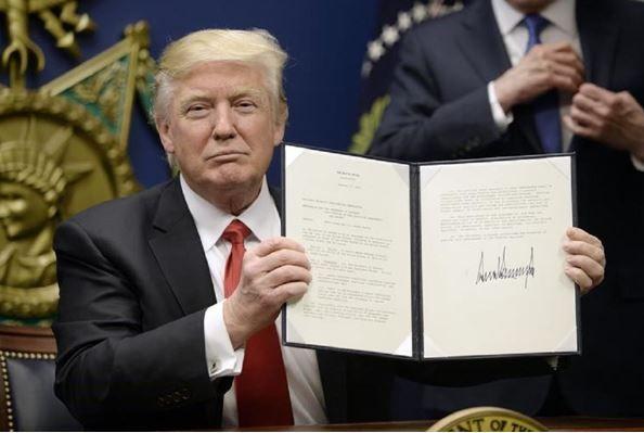 Quand le dernier décret de l'administration Trump oblige les fournisseurs de Cloud américains à jouer les espions