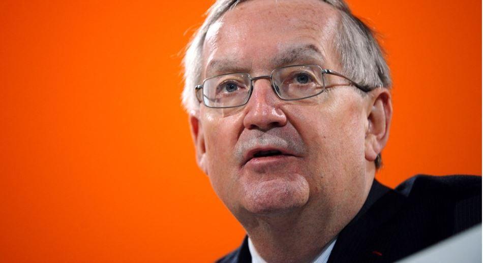 L'économiste en chef de la banque d'investissement française Natixis, Patrick Artus, s'exprime lors de la 16e édition de la conférence Coface le 16 janvier 2012 à Paris.