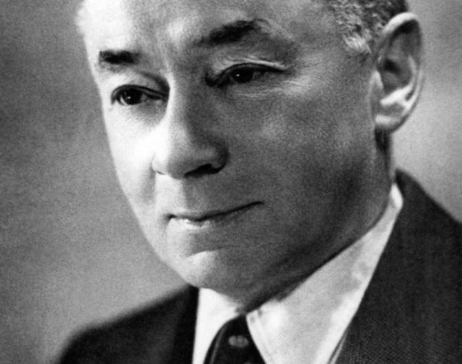 Une photographie de l'homme politique et avocat français Paul Reynaud qui était Premier ministre lors de la défaite allemande de la France en mai et juin 1940.