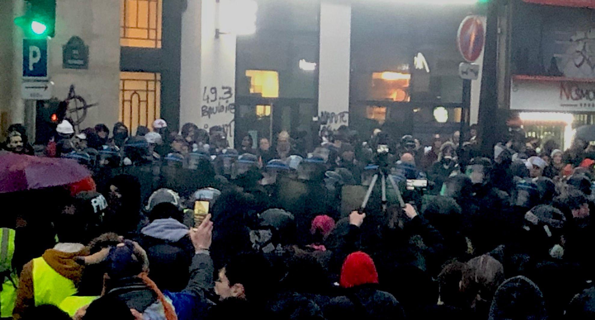 La manifestation du 9 janvier a été beaucoup plus violente que les médias n'ont pu le raconter