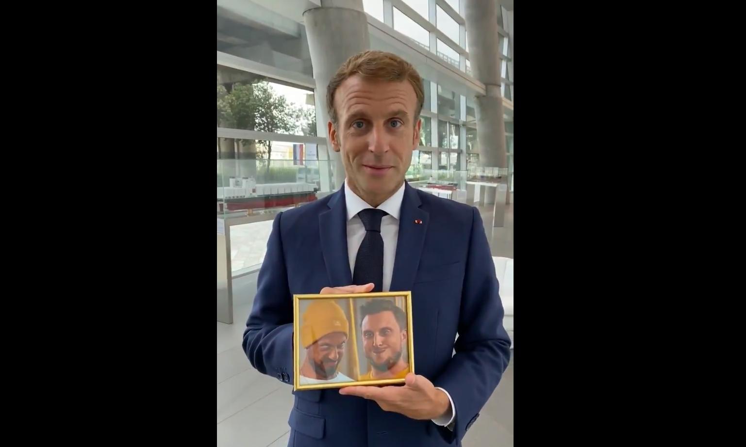 Emmanuel Macron a tenu sa promesse à Carlito et McFly lors d'une vidéo.