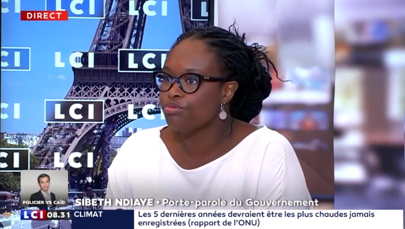 """Sibeth Ndiaye : Le débat sur l'immigration souffre de """"trop de passions"""""""