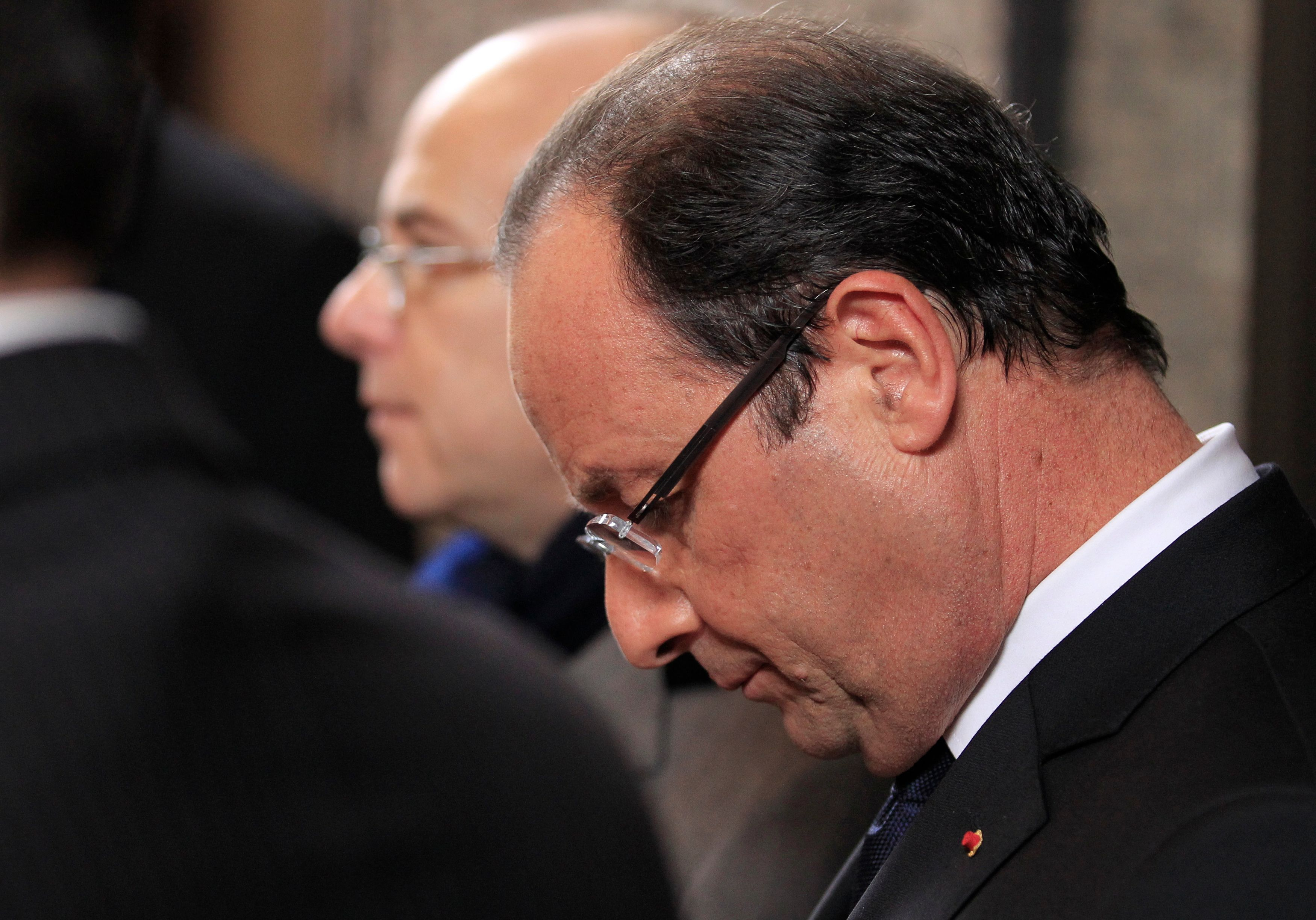 Alors qu'il faudrait redoubler d'efforts pour relancer l'activité du pays, François Hollande adopte une attitude défaitiste.