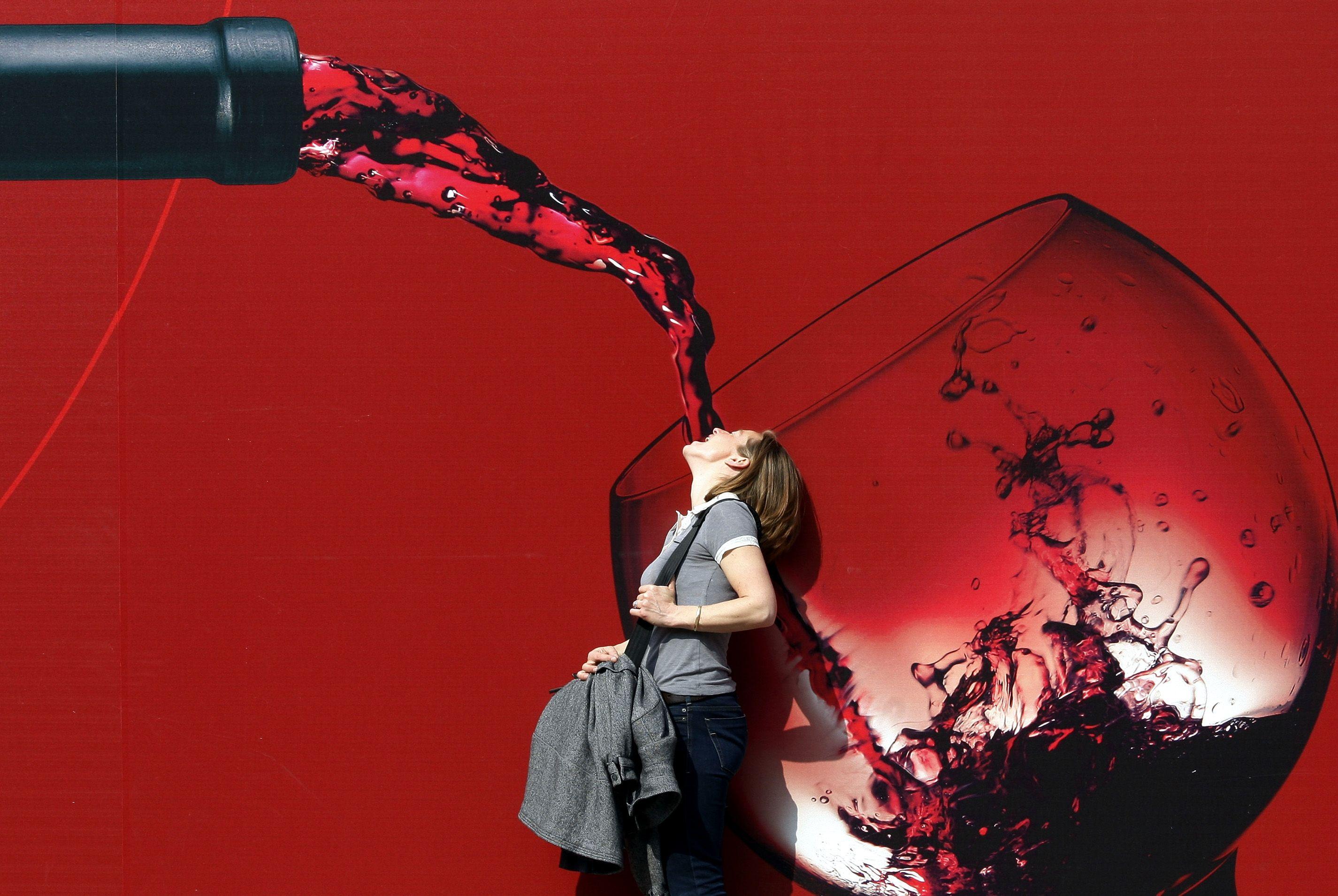 Responsable de 10% des décès chaque année: toutes les manières dont l'alcool tue