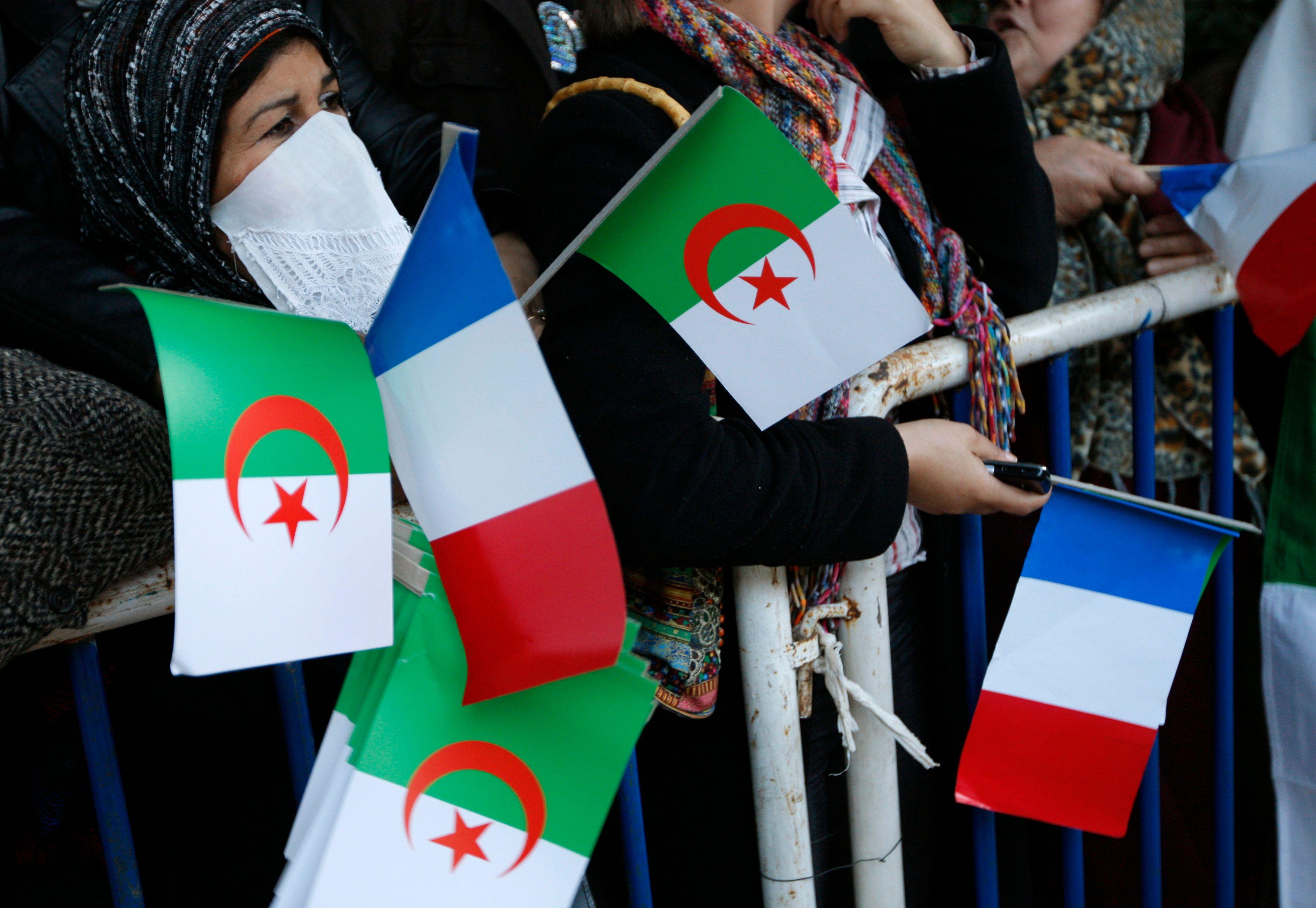 La visite de Manuel Valls en Algérie boycottée par plusieurs médias