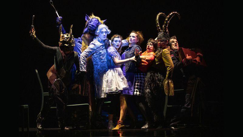 """""""Alice traverse le miroir"""" de Fabrice Melquiot, d'après Lewis Carroll : interdit au plus de 7 ans"""