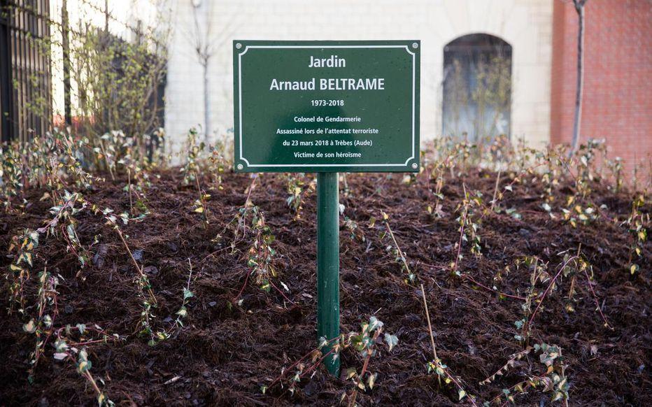 mairie de Paris plaque Arnaud Beltrame