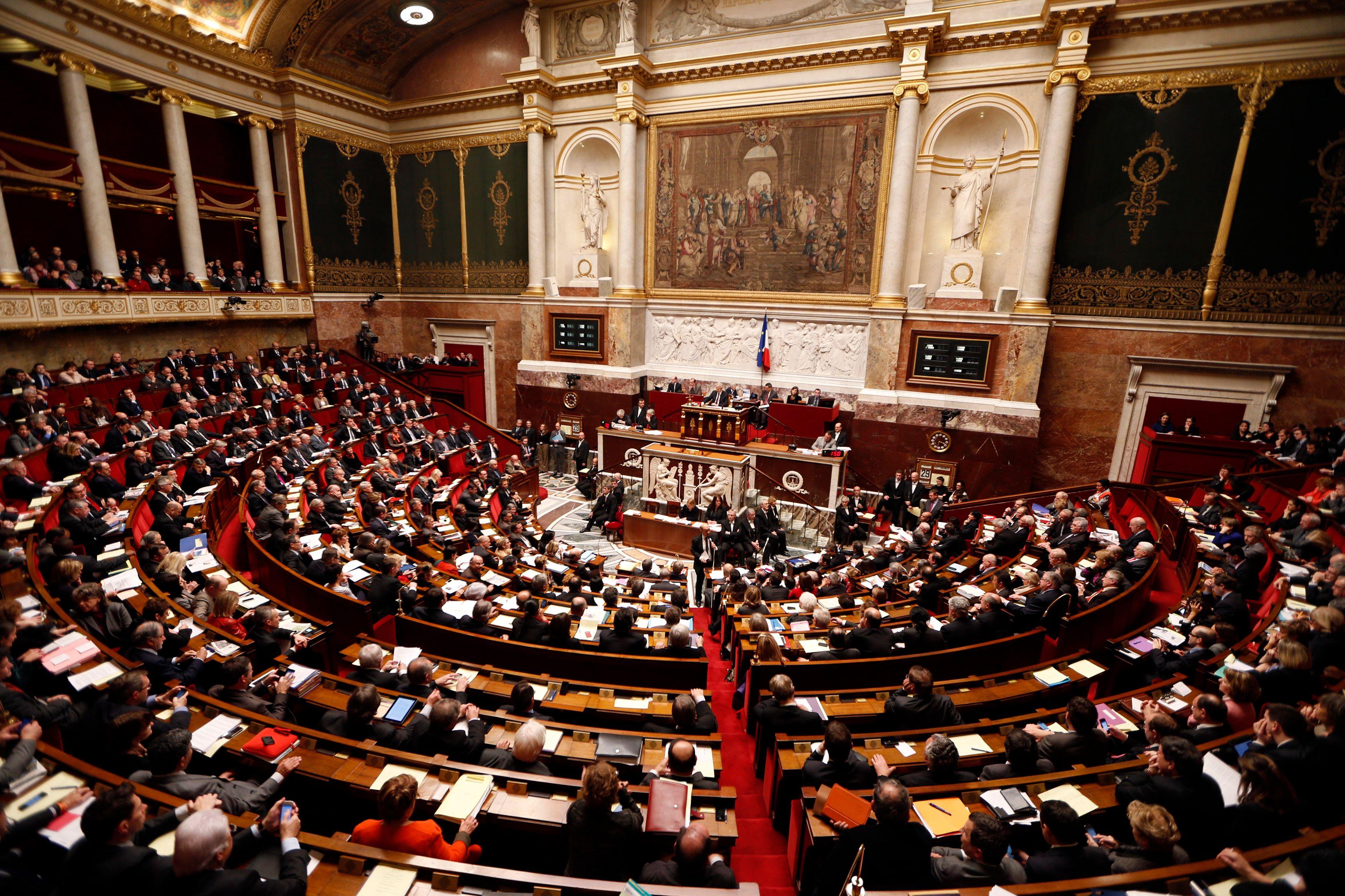 Le texte sera soumis une nouvelle fois au Sénat, qui devrait à nouveau rejeter cette interdiction de cumul pour ses membres.