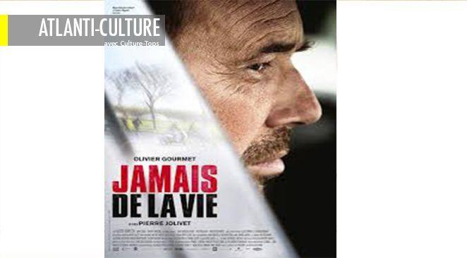 Olivier Gourmet livre comme il en a l'habitude une performance brute, sans fausseté.