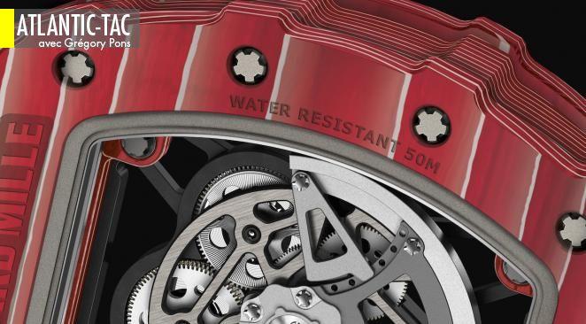 Vue de dos, la montre de Rafael Nadal, avec le composite multicouches ultra-technologique de son boîtier et l'architecture de son mouvement en titane…
