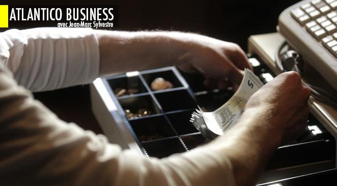 Puisque c'est considéré comme un défraiement, la valeur du ticket restaurant n'est pas assujettie aux charges sociales pour l'entreprise, ni à l'impôt sur le revenu.