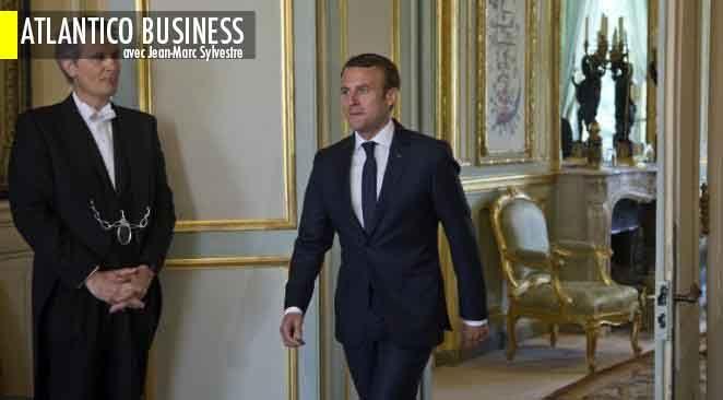 """""""Tout le monde il est beau, tout le monde il est gentil"""", même les syndicats. Encore un peu de patience et Macron va marcher sur l'eau..."""
