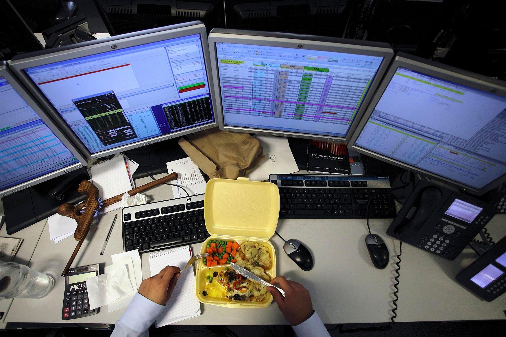 Déjeuner au bureau : avantages et inconvénients