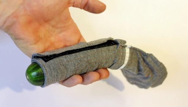 Deux chercheurs américains créent le préservatif électrisant