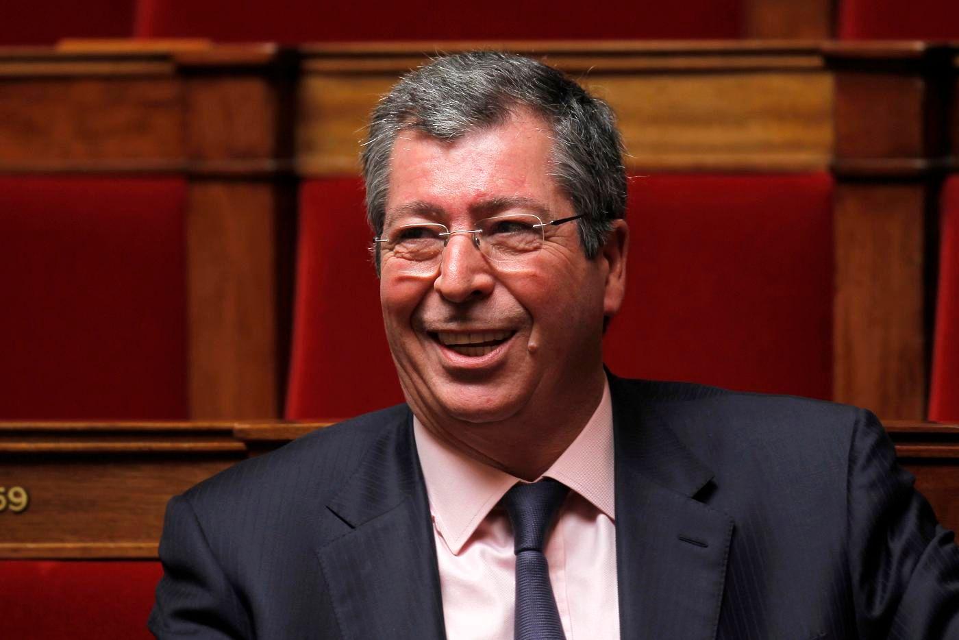 Législatives : mécontent du candidat investi par Les Républicains, Patrick Balkany fait retirer les affiches de François Fillon à Levallois