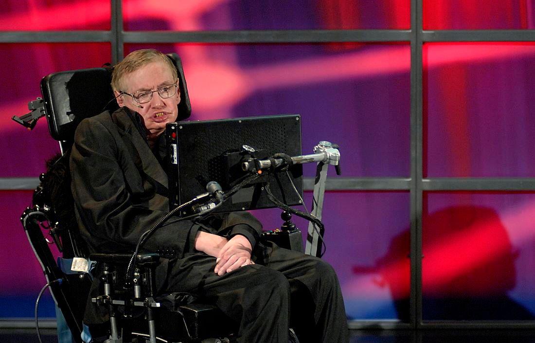 """Stephen Hawking : """"la race humaine n'a aucun avenir si nous n'allons pas dans l'espace"""""""