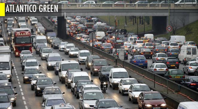 Pourquoi les grosses voitures électriques polluent plus que les petites voitures à essence