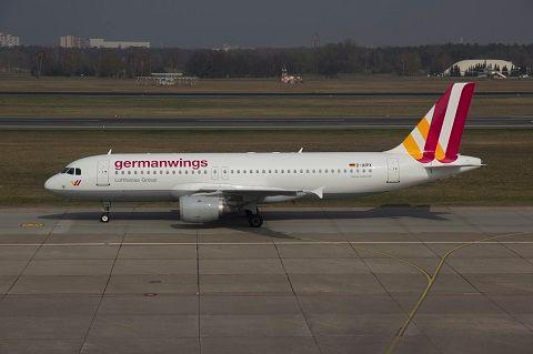 Germanwings: Andreas Lubitz s'était entraîné à descendre lors du vol aller entre Düsseldorf et Barcelone