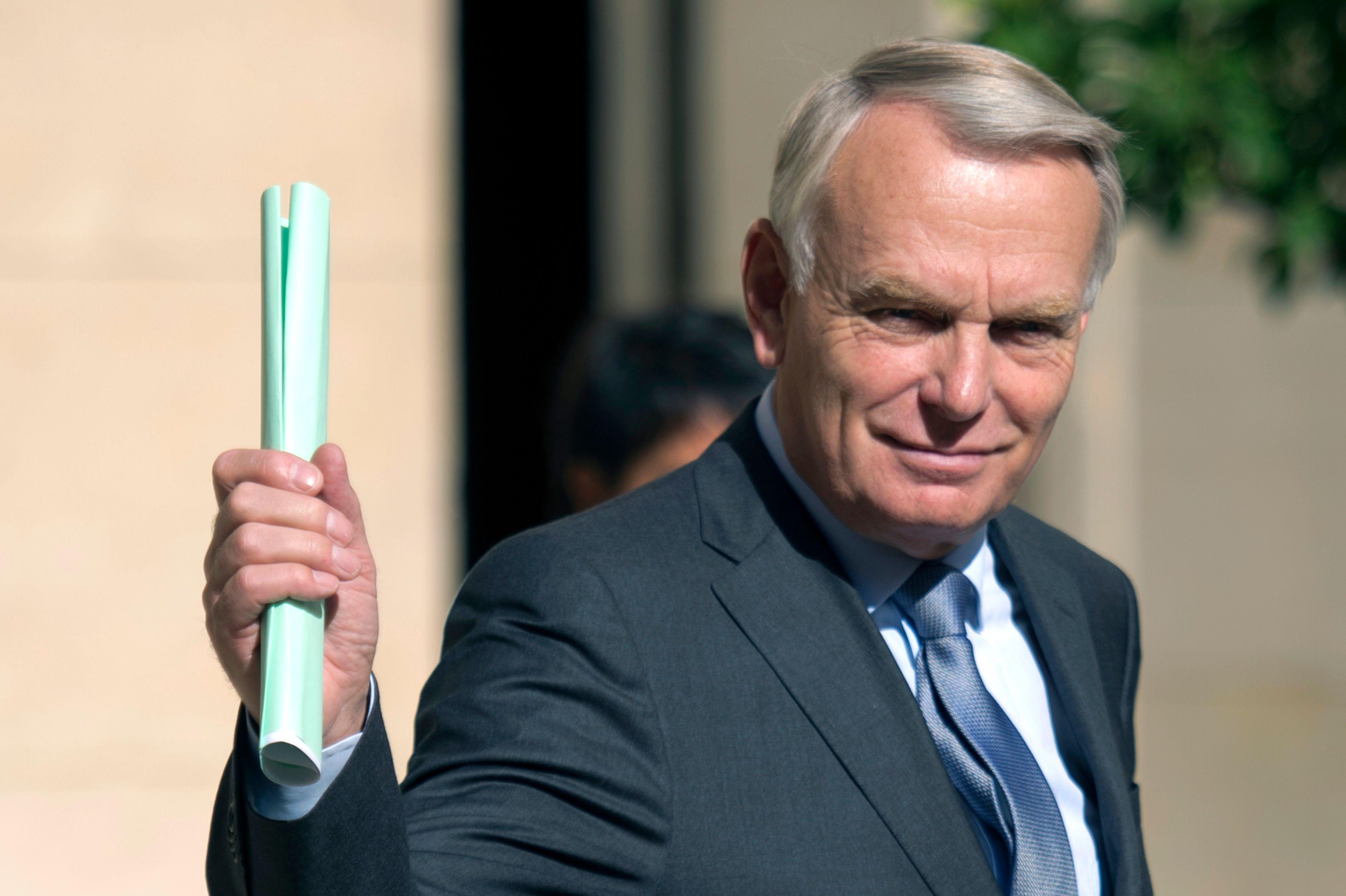Le Premier ministre Jean-Marc Ayrault consulte lundi syndicats et organisations patronales.