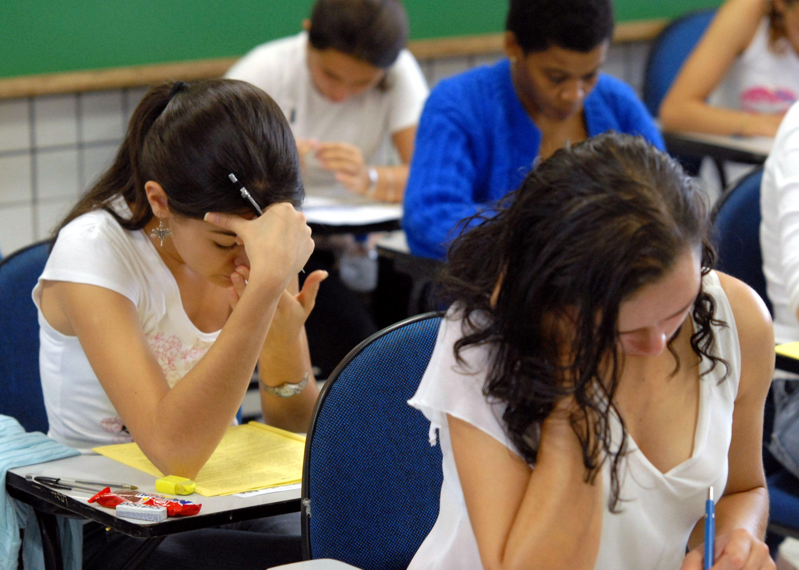 Réforme du bac : enfin de quoi sauver l'examen clé du système scolaire français