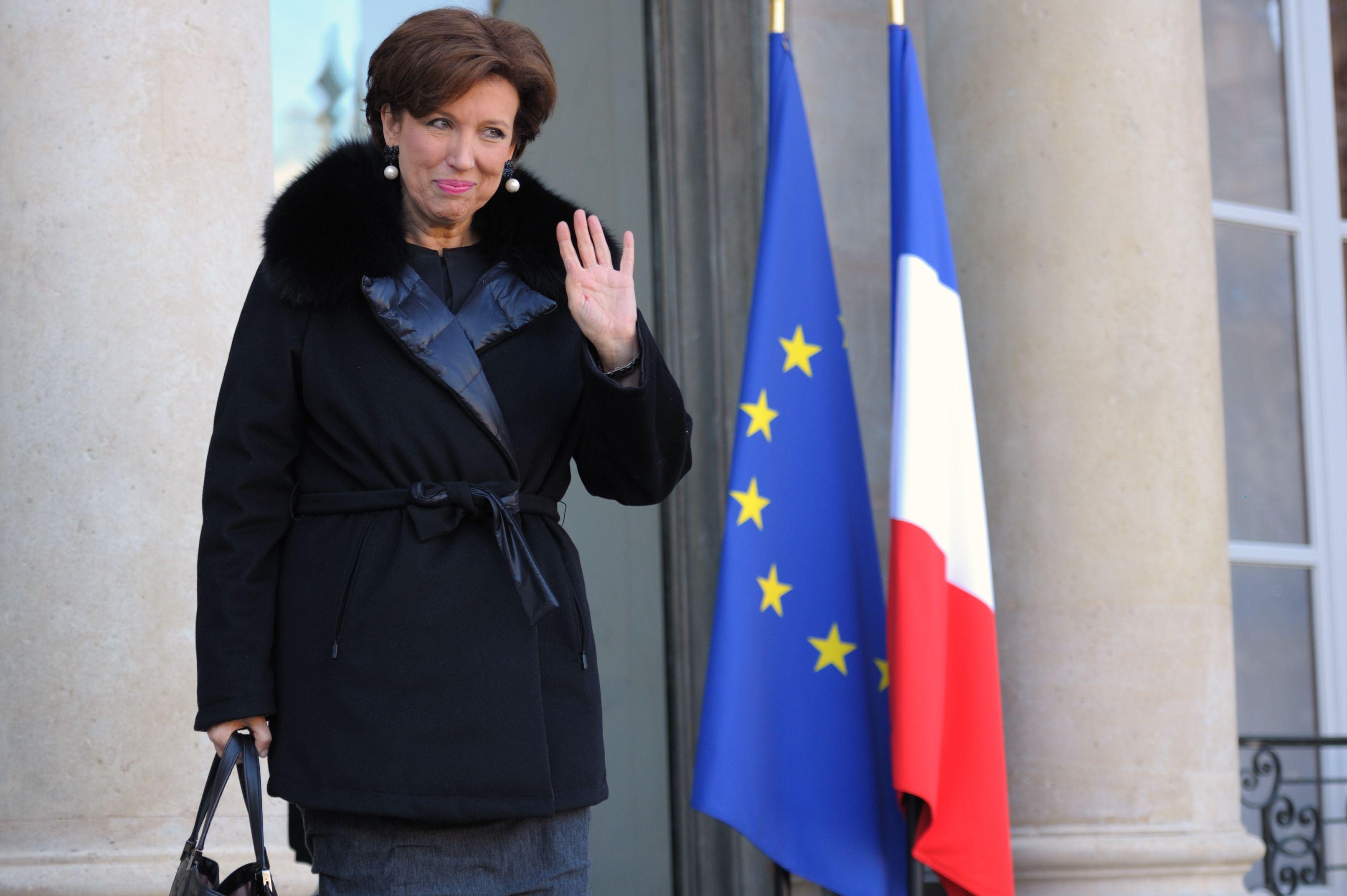"""Roselyne Bachelot sort aujourd'hui son autobiographie """"La petite fille de la Ve""""."""