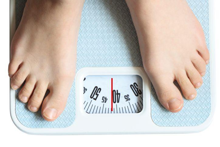 Les femmes ont plus de difficultés à perdre du poids que les hommes.