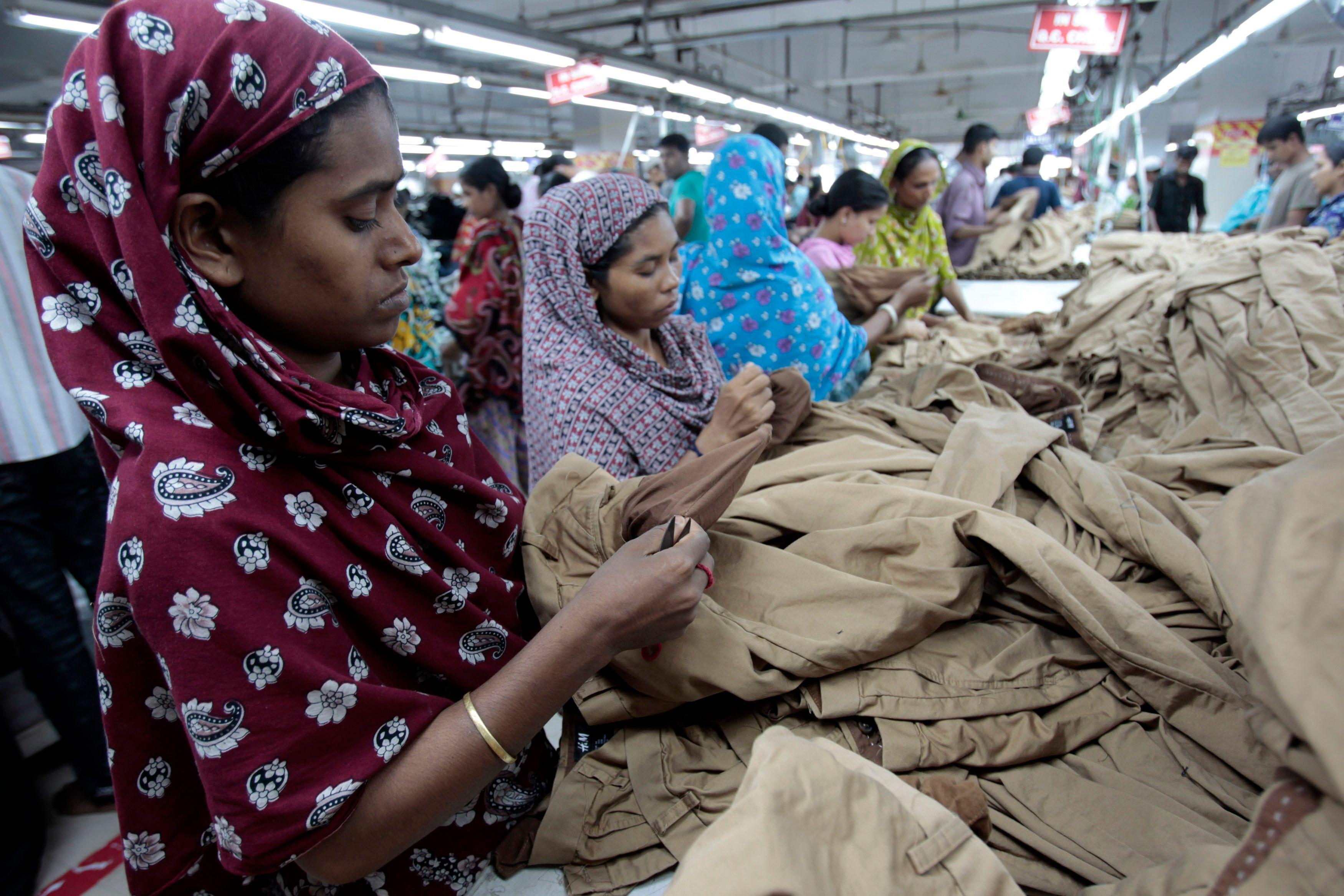 Deux ans après les 1129 morts de l'usine Rana Plaza au Bangladesh, fabricants et distributeurs textiles n'ont quasiment rien changé