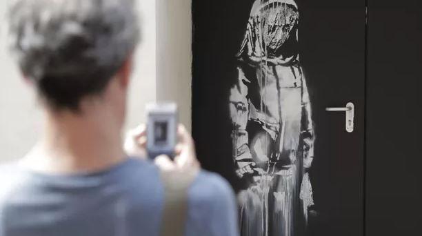 Une œuvre de Banksy, volée au Bataclan en 2019, aurait été retrouvée en Italie